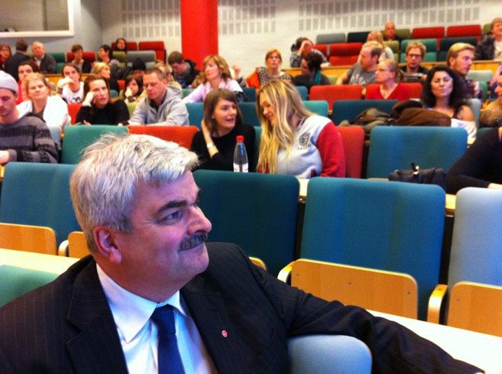 Juholt besöker Mittuniversitetet i Sundsvall